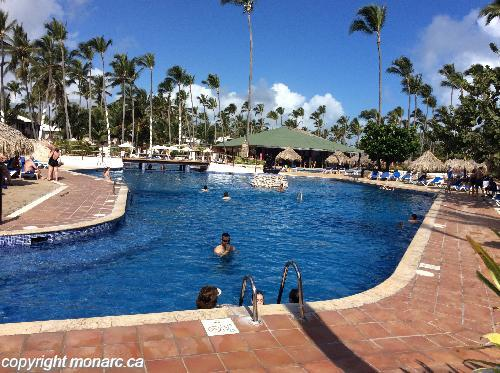 Commentaires pour sirenis cocotal beach rst casino for Piscine aquajade