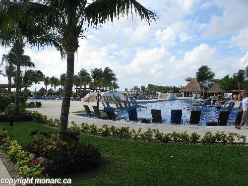 Reviews for blue bay grand esmeralda riviera maya mexico for Blue bay grand esmeralda deluxe v jardin