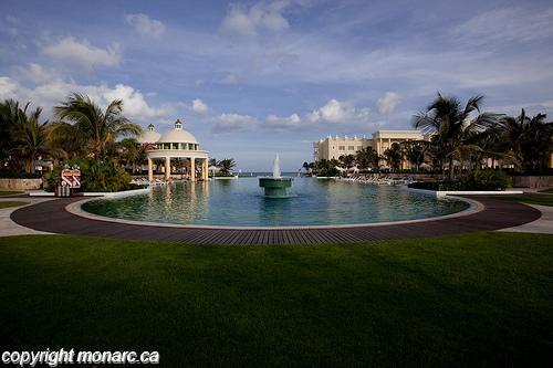 Reviews for iberostar grand hotel paraiso riviera maya for Club piscine west island
