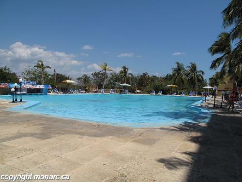 Reviews for club amigo ancon cienfuegos cuba for Club piscine west island