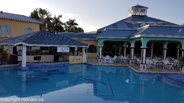 Reviews for jewel paradise cove runaway bay jamaica for Club piscine liquidation quebec