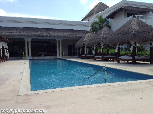 Reviews for grand riviera princess all suites riviera for Club piscine west island