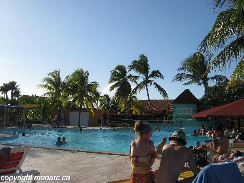 Reviews for bravo club caracol santa lucia camaguey for Club piscine west island